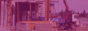 grúa en una construcción