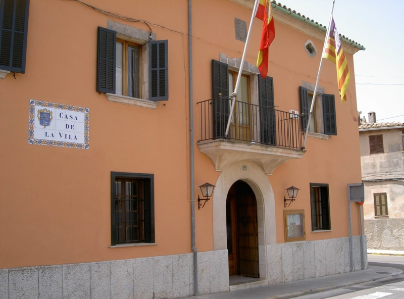 Fachada delantera de Casa de La Vila